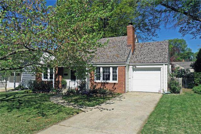 5220 Sherwood Drive, Roeland Park, KS 66205 (#2318815) :: Audra Heller and Associates