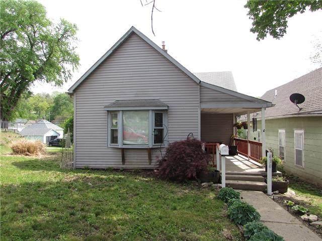 430 E Missouri Avenue, St Joseph, MO 64504 (#2318819) :: The Shannon Lyon Group - ReeceNichols