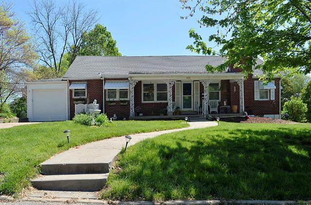 111 Moss Avenue, Liberty, MO 64068 (#2318885) :: Team Real Estate