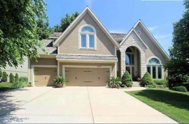 14712 W 70th Street, Shawnee, KS 66216 (#2318919) :: Ron Henderson & Associates