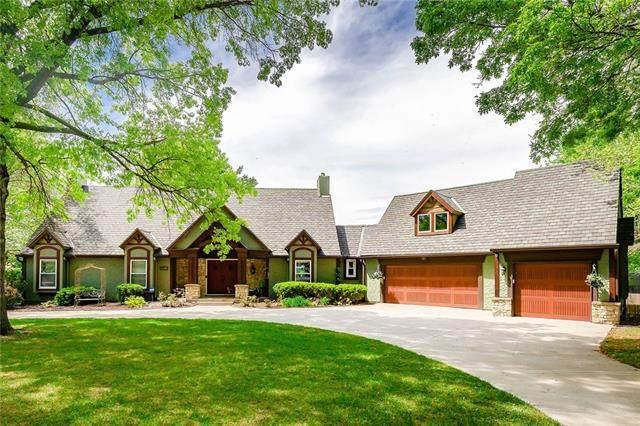 3900 W 140th Drive, Leawood, KS 66224 (#2318932) :: Five-Star Homes