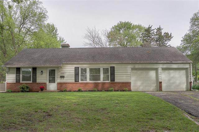 2206 W 79TH Street, Prairie Village, KS 66208 (MLS #2319028) :: Stone & Story Real Estate Group