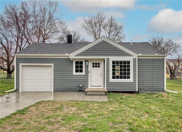 3312 NE 55TH Street, Kansas City, MO 64119 (#2319071) :: Five-Star Homes