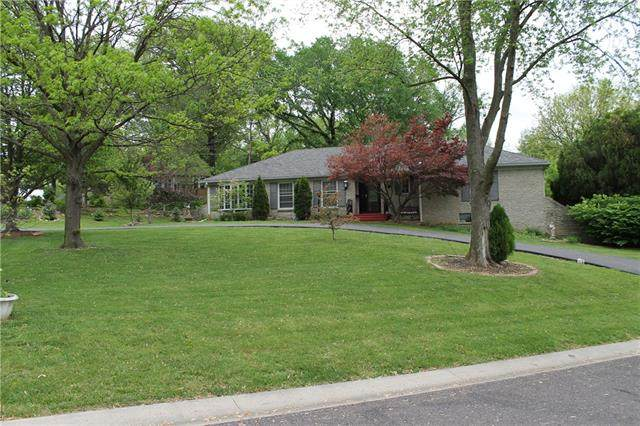 5121 W 99 Street, Overland Park, KS 66207 (MLS #2319135) :: Stone & Story Real Estate Group