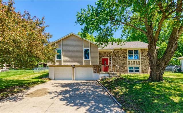 1909 Cedar Street, Higginsville, MO 64037 (#2319140) :: Eric Craig Real Estate Team