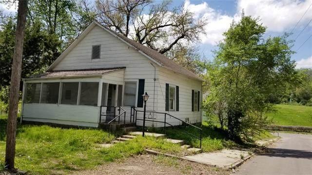 216 W Augusta Street, St Joseph, MO 64501 (#2319167) :: The Kedish Group at Keller Williams Realty