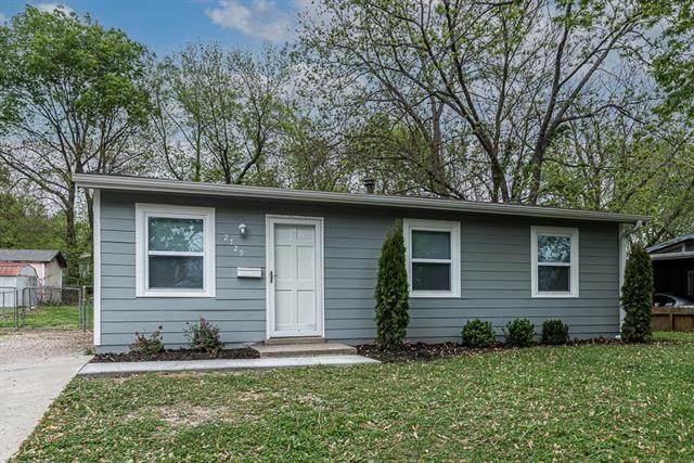 2729 S 48th Terrace, Kansas City, KS 66106 (#2319188) :: Ron Henderson & Associates