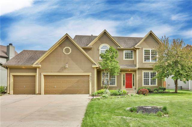19721 W 96th Terrace, Lenexa, KS 66220 (#2319194) :: Team Real Estate