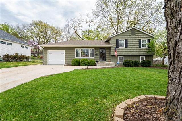 9727 Kessler Street, Overland Park, KS 66212 (#2319234) :: Team Real Estate