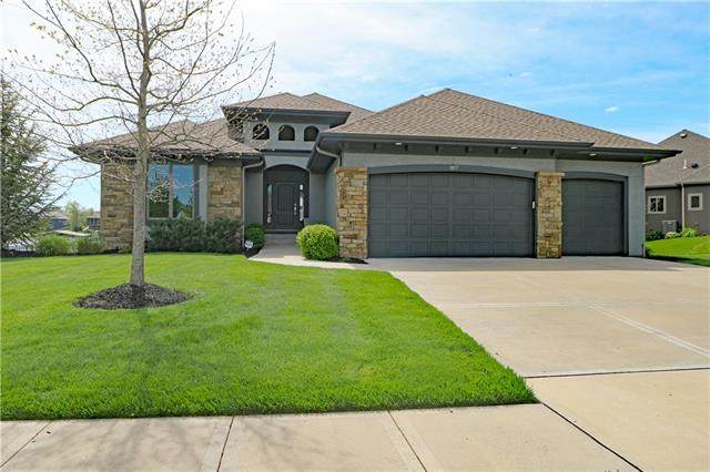 1417 Young Circle, Raymore, MO 64083 (#2319247) :: Audra Heller and Associates