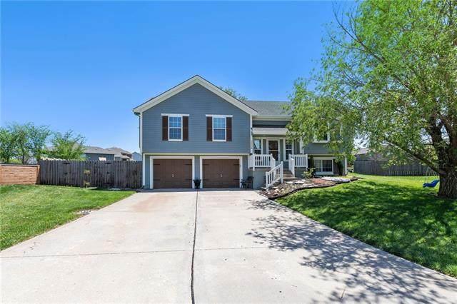 12208 E 214th Terrace, Peculiar, MO 64078 (#2319271) :: Team Real Estate