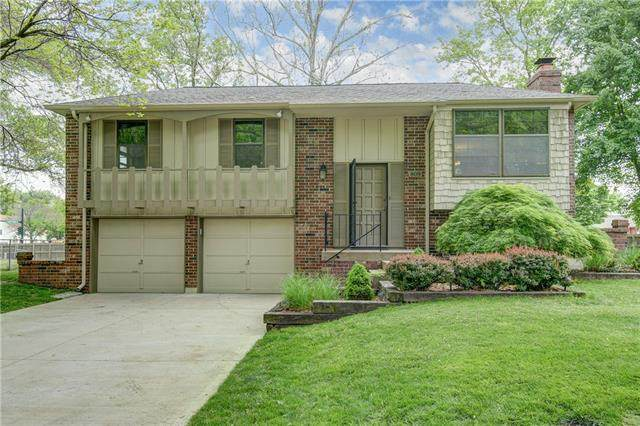 809 NW Buckingham Place, Blue Springs, MO 64015 (#2319286) :: The Rucker Group