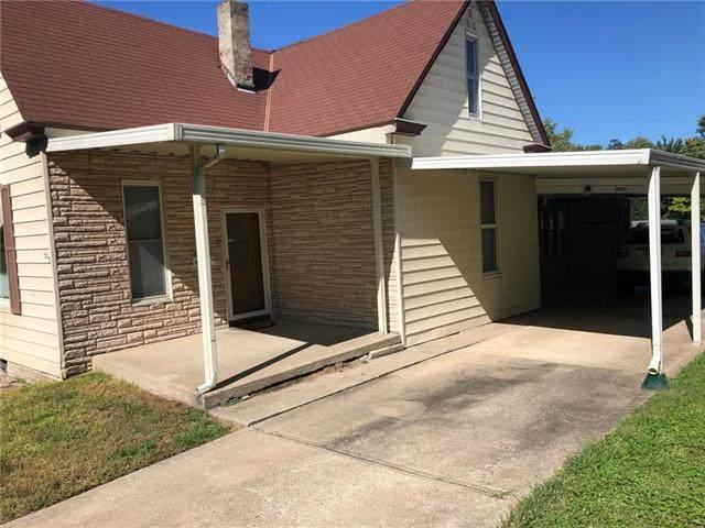 3421 Lafayette Street, St Joseph, MO 64507 (#2319382) :: Team Real Estate