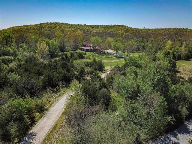 1113 N 1200 Road, Lawrence, KS 66049 (MLS #2319397) :: Stone & Story Real Estate Group