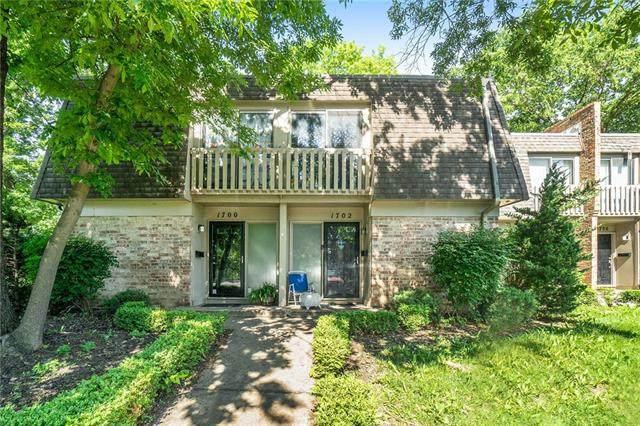 1702 E 97th Street, Kansas City, MO 64131 (#2319428) :: Dani Beyer Real Estate
