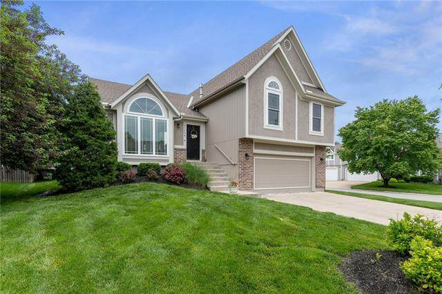 21604 W 53rd Terrace, Shawnee, KS 66226 (#2319430) :: ReeceNichols Realtors
