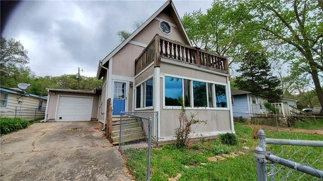 2315 Beach Drive, Oak Grove, MO 64075 (#2319448) :: Edie Waters Network