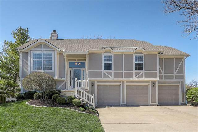 1703 N Sunset Street, Olathe, KS 66061 (#2319470) :: Team Real Estate