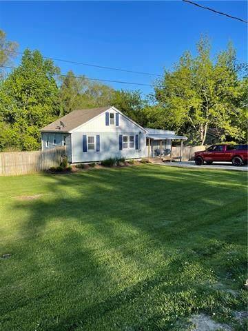 313 N Cogan Lane, Independence, MO 64050 (#2319512) :: Team Real Estate