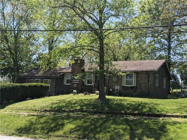 224 W Spring Street, El Dorado Springs, MO 64744 (#2319523) :: Team Real Estate