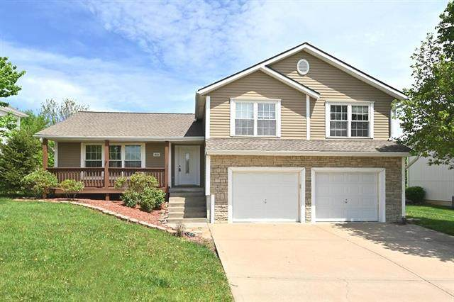 1413 Pleasant Hill Drive, Platte City, MO 64079 (#2319560) :: The Rucker Group