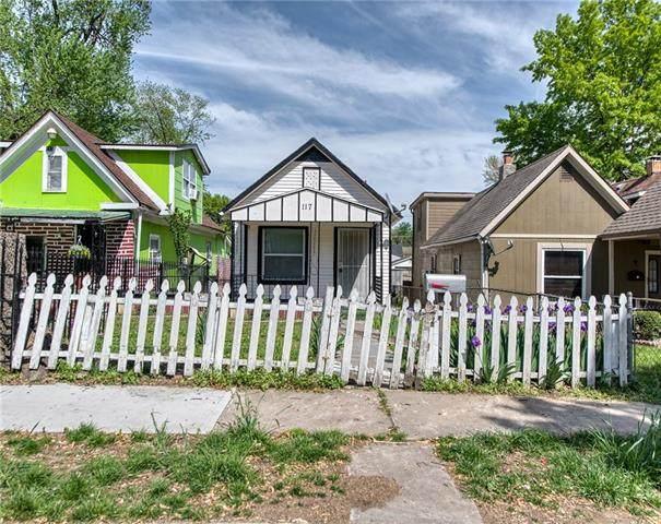 117 Lawndale Avenue, Kansas City, MO 64123 (#2319570) :: Five-Star Homes