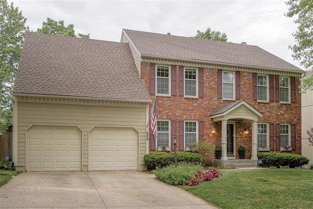 9620 W 129th Street, Overland Park, KS 66213 (MLS #2319621) :: Stone & Story Real Estate Group