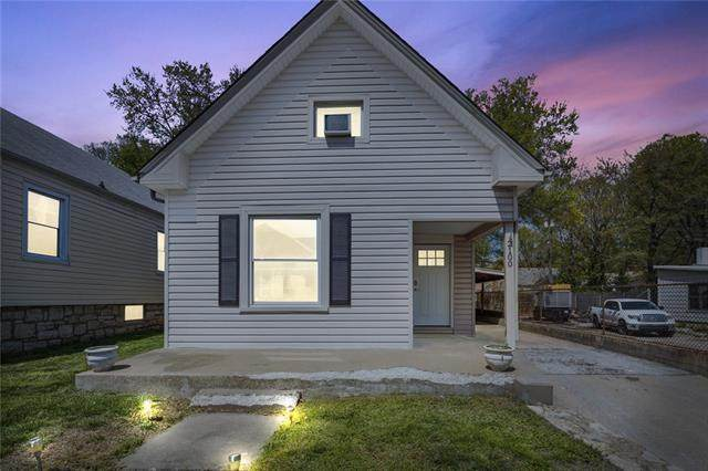 2100 W 43RD Avenue, Kansas City, KS 66103 (#2319666) :: The Shannon Lyon Group - ReeceNichols