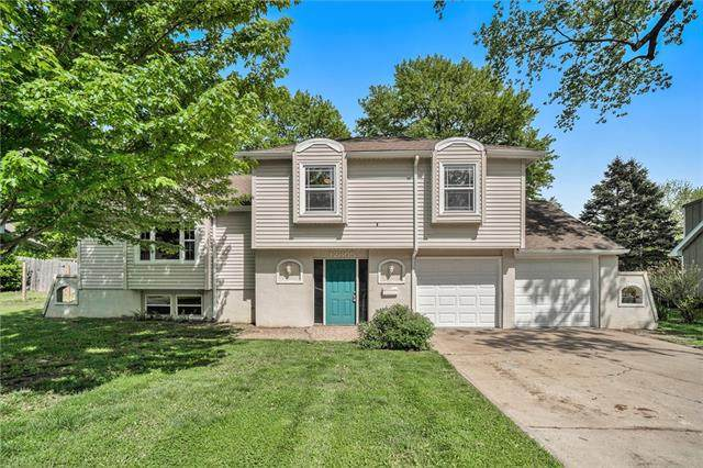 12805 Winchester Avenue, Grandview, MO 64030 (#2319678) :: The Rucker Group