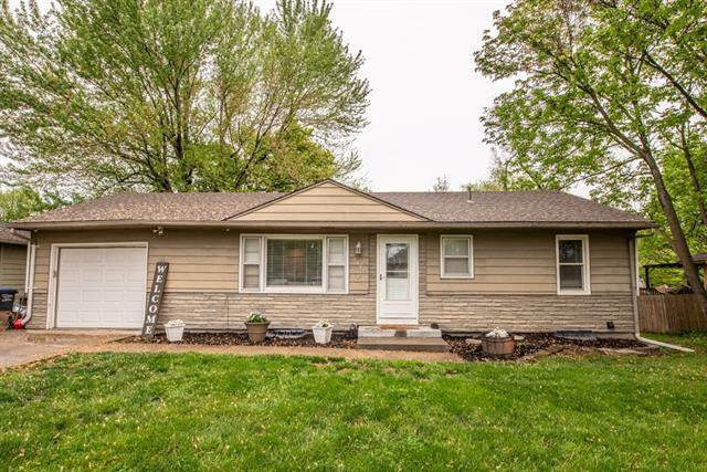 1405 Country Club Drive, Pleasant Hill, MO 64080 (#2319835) :: The Shannon Lyon Group - ReeceNichols