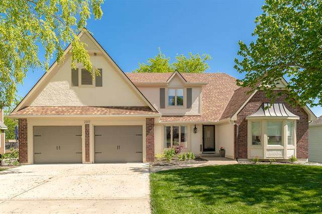 2317 NW Summerfield Drive, Lee's Summit, MO 64081 (MLS #2319852) :: Stone & Story Real Estate Group