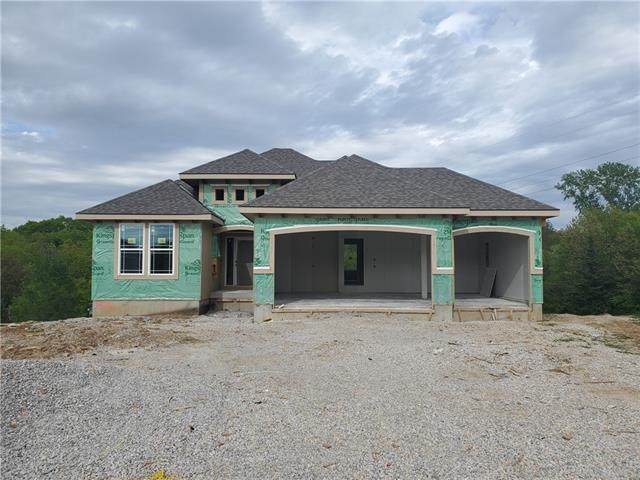 13101 W 54TH Street, Shawnee, KS 66216 (#2319878) :: Team Real Estate