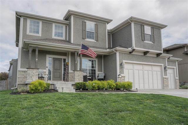 8407 Redbird Street, Lenexa, KS 66227 (#2319886) :: Team Real Estate