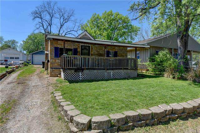 814 S Lake Drive, Independence, MO 64053 (#2319909) :: Team Real Estate