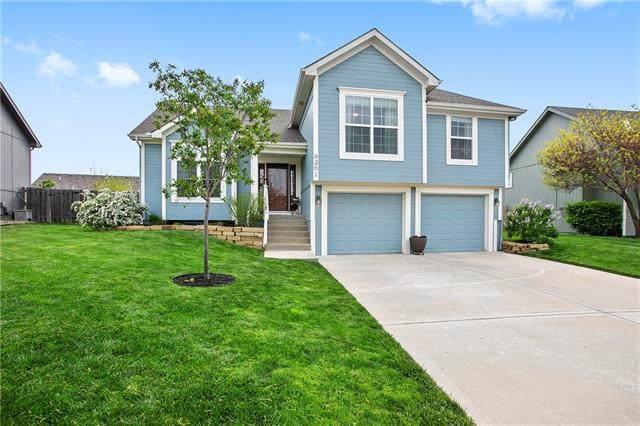 9201 N Mulberry Avenue, Kansas City, MO 64155 (#2319988) :: Team Real Estate