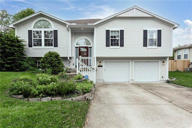 508 NE Ridge Creek Drive, Blue Springs, MO 64014 (#2320006) :: Team Real Estate