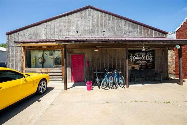 109 E Franklin Street, Pomona, KS 66076 (#2320015) :: The Shannon Lyon Group - ReeceNichols