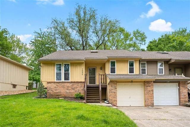 7640 Long Street, Lenexa, KS 66216 (#2320040) :: Eric Craig Real Estate Team