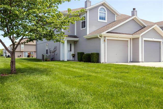 5627 NW Sunrise Meadow Circle, Lee's Summit, MO 64064 (#2320062) :: Team Real Estate