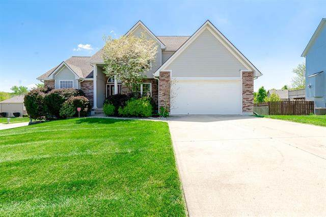1143 SE Skyview Drive, Blue Springs, MO 64014 (#2320120) :: Team Real Estate
