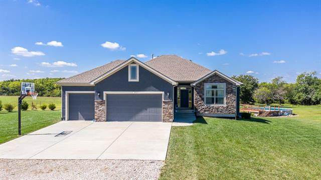 15205 170th Street, Bonner Springs, KS 66012 (#2320139) :: Team Real Estate