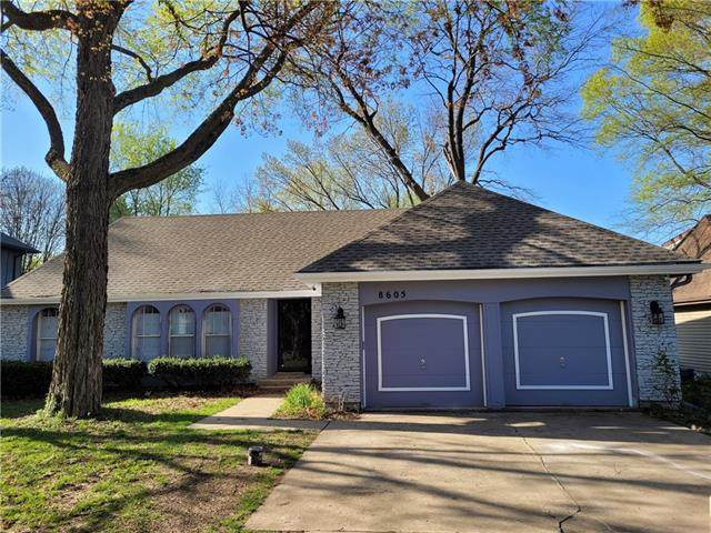 8605 W 71ST Street, Overland Park, KS 66204 (#2320142) :: The Kedish Group at Keller Williams Realty