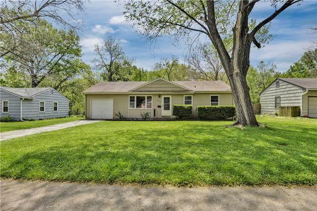 7617 Colonial Drive, Prairie Village, KS 66208 (MLS #2320186) :: Stone & Story Real Estate Group