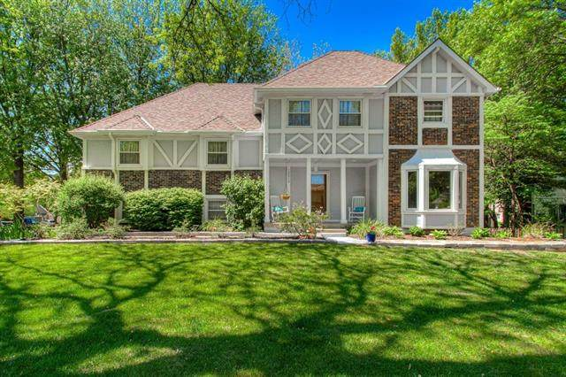 12012 High Drive, Leawood, KS 66209 (#2320191) :: The Shannon Lyon Group - ReeceNichols