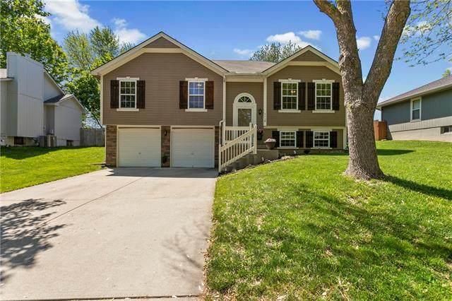1116 NE Ridgeview Drive, Lee's Summit, MO 64086 (#2320227) :: Team Real Estate