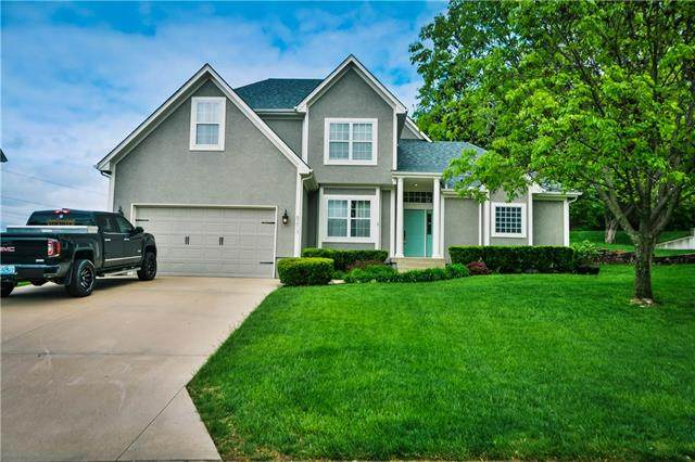 6213 NE Upper Wood Drive, Lee's Summit, MO 64064 (#2320266) :: ReeceNichols Realtors