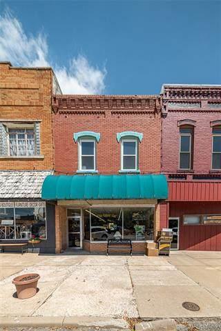 107 E 4th Avenue, Garnett, KS 66032 (#2320282) :: Ron Henderson & Associates