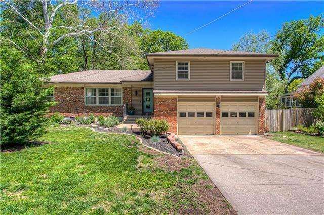 6825 Lamar Avenue, Overland Park, KS 66204 (#2320290) :: Eric Craig Real Estate Team