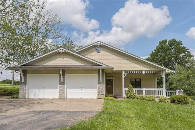 152 N 134th Street, Bonner Springs, KS 66012 (#2320309) :: Ron Henderson & Associates