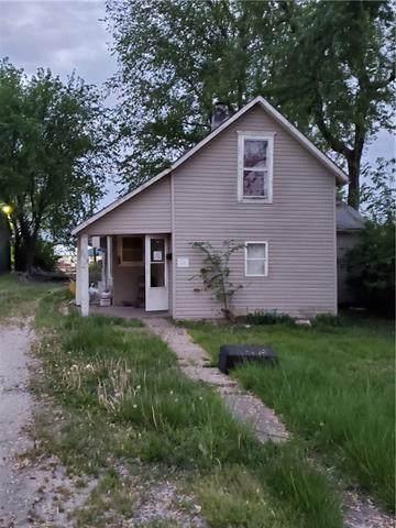 903 Shawnee Street, Hiawatha, KS 66434 (#2320324) :: Edie Waters Network